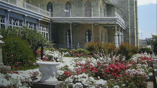 Экскурсия Дворец в парке в Симеизе