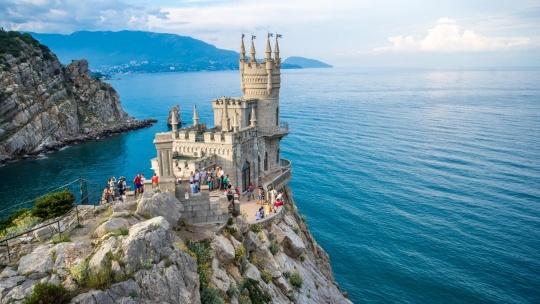 Экскурсия Крымская Швейцария по Любимовке