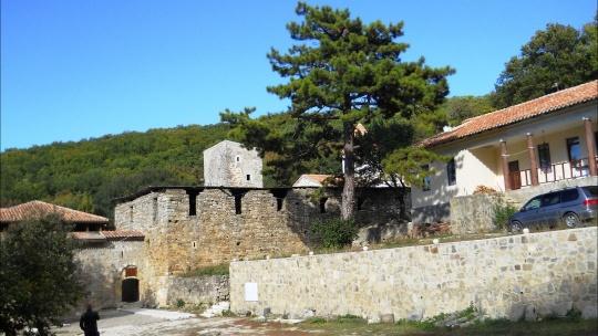 Монастыри Топлы и Сурб-Хач - фото 2
