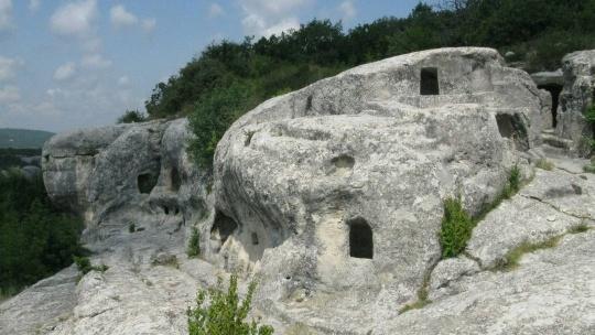 Пещерный город Эски-Кермен - фото 5
