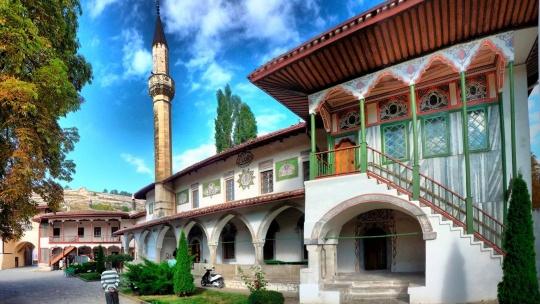Экскурсия Бахчисарай и Чуфут Кале в Гурзуфе