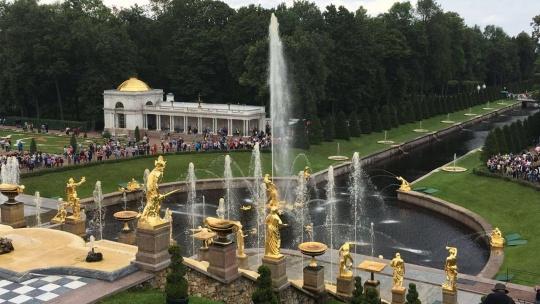 Прогулка по фонтанам Петергофа с частным гидом - фото 2