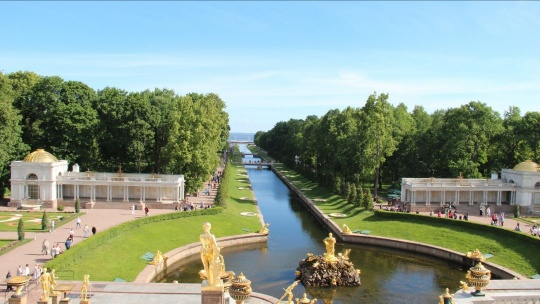 Экскурсия Петергоф Большой Дворец (вне сезона без фонтанов) в Санкт-Петербурге