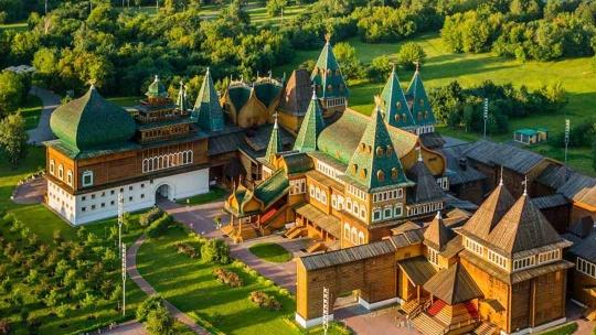 Экскурсия Дворец царя Алексея Михайловича в Коломенском по Москве