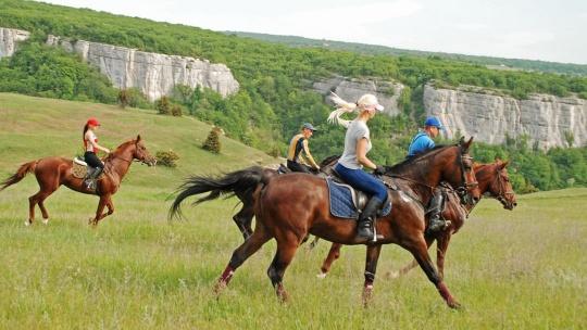 Экскурсия Конные прогулки, маршрут: Пещерный монастырь Челтер - Мармара по Севастополю