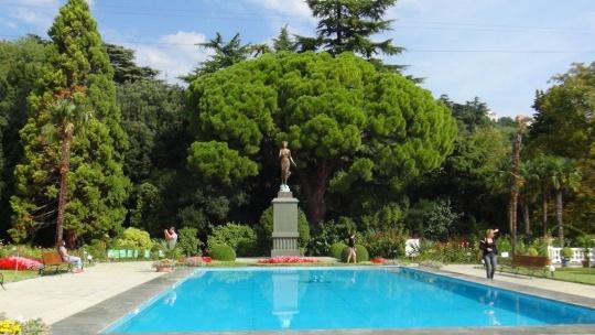 Никитский ботанический сад по Ливадии