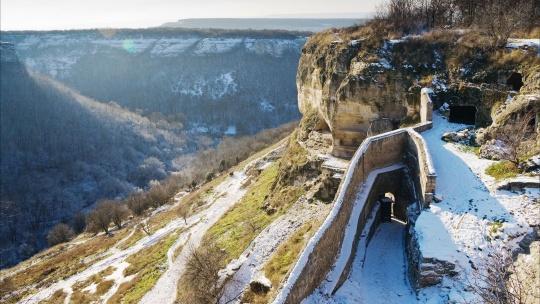 крепость Чуфут-Кале по Севастополю