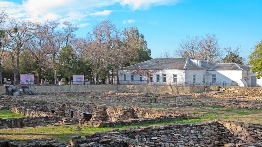 Раскоп древнего города Горгиппия в Анапе