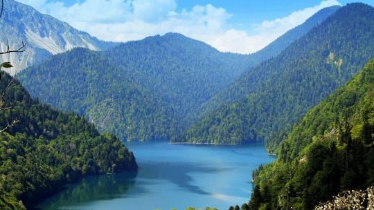 Озеро Рица в Сочи