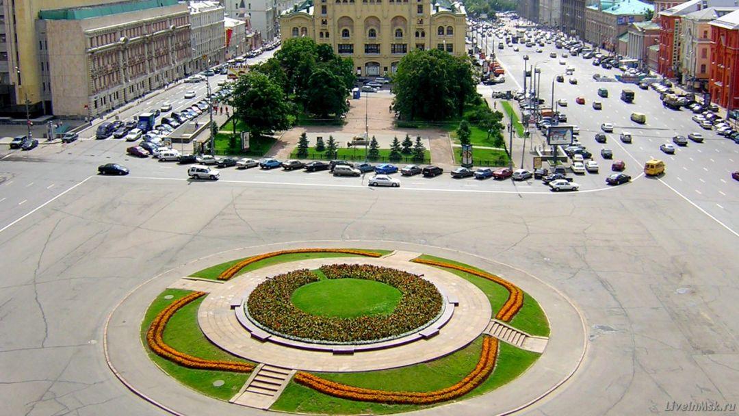 Лубянская площадь по Москве