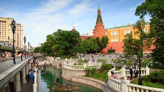 Александровский сад (Москва) по Москве
