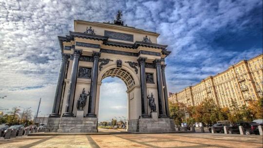 Триумфальные ворота (Москва) по Москве