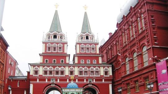 Воскресенские ворота по Москве