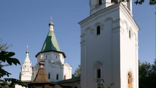 Храм Троицы Живоначальной в Троицком-Голенищеве по Москве