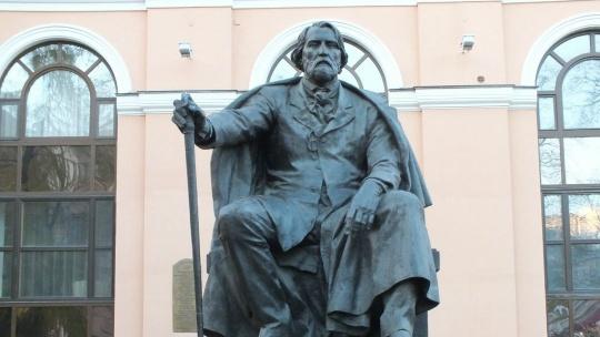 Памятник Островскому (Москва) по Москве