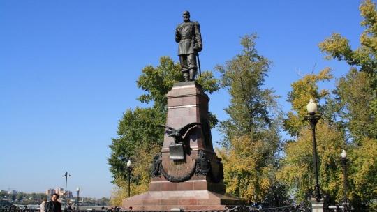 Памятник Александру III в Иркутске