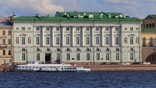 Эрмитажный театр в Санкт-Петербурге