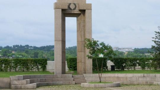 Памятник сотрудникам МВД, погибшим при исполнении служебного долга в Иркутске