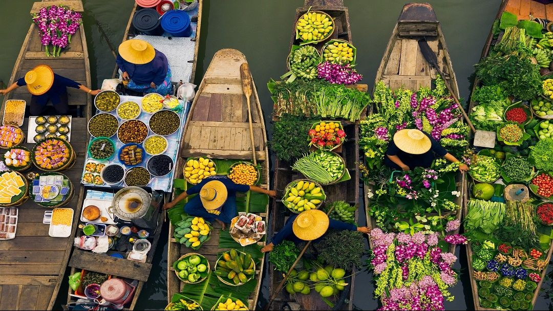 Плавучий рынок за городом - фото 2