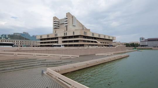 Площадь Театра имени Камала по Казани
