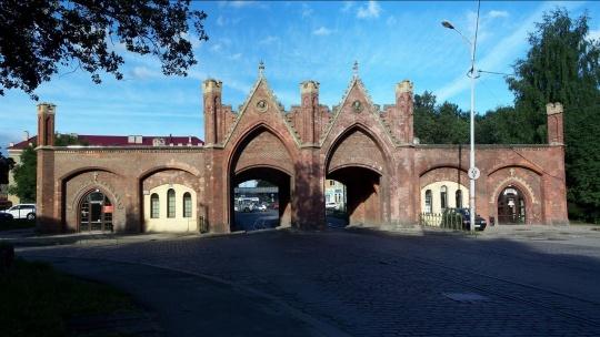 Бранденбургские ворота по Калининграду
