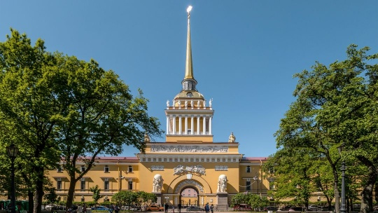Главное адмиралтейство в Санкт-Петербурге