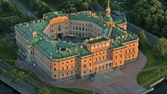 Михайловский замок в Санкт-Петербурге