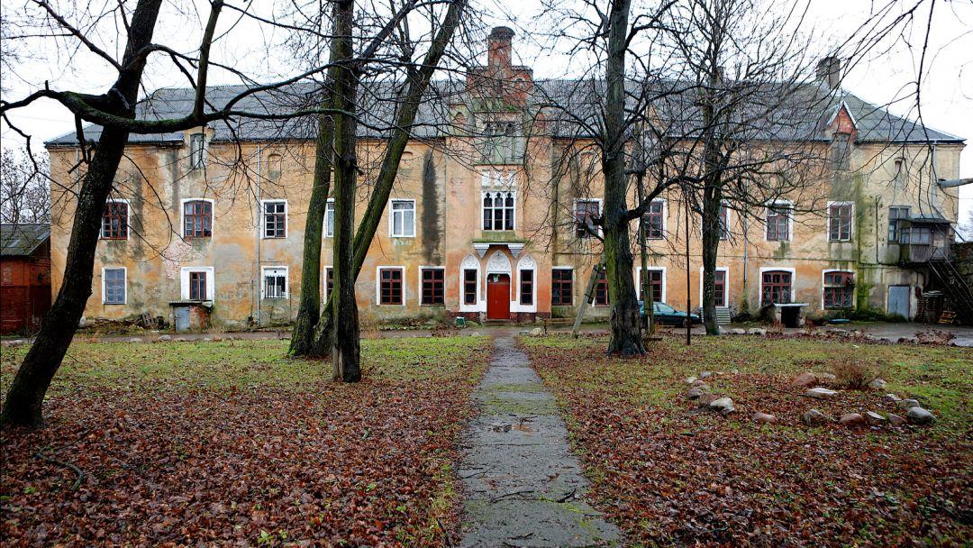 Замок Вальдау по Калининграду