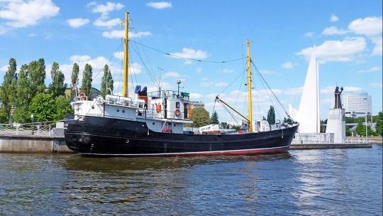 СРТ-129 по Калининграду