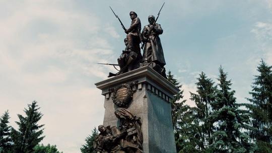 Памятник героям Первой мировой войны по Калининграду