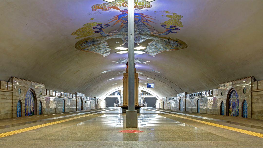 """Станция метро """"Кремлевская"""" по Казани"""