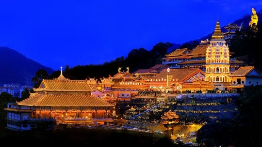 Экскурсия Прохладное блаженство – холм Пенанга и храм Кек-Лок-Си по Пинангу