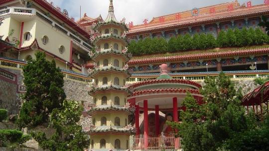 Храм Кек Лок Си в Кота-Кинабале