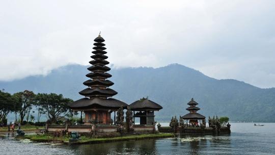 Озеро Бератан на Бали