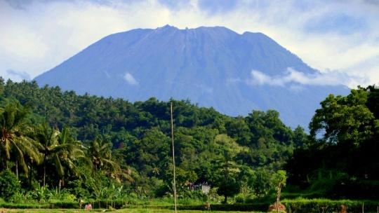 Вулкан Агунг на Бали