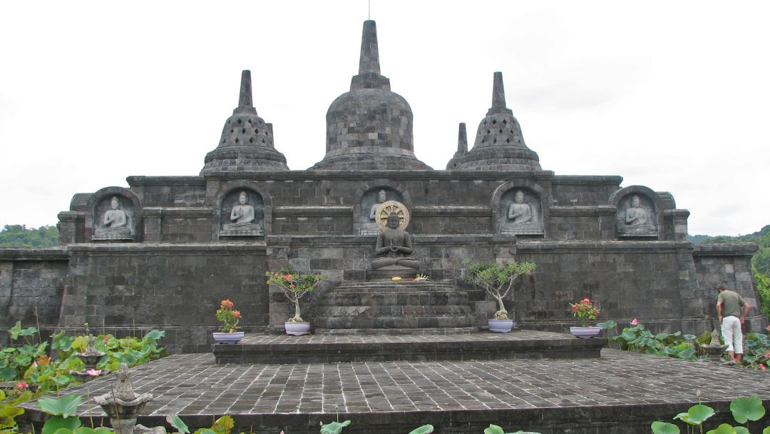 Храм Брахмавихара Арама  на Бали