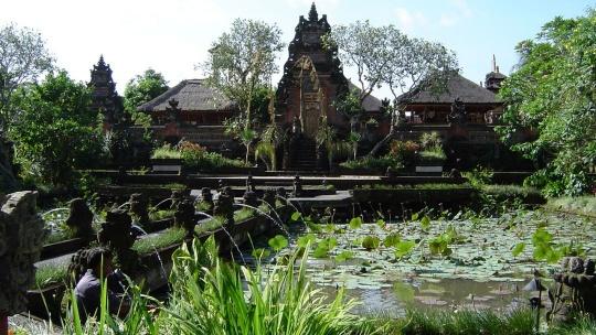 Замок Гианьяр на Бали