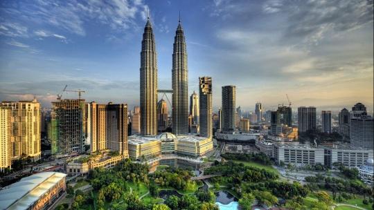 Башни Петронас по Малайзии