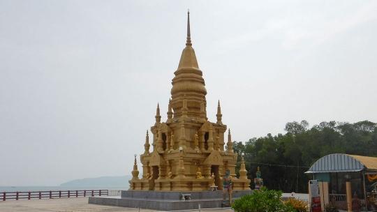 Храм и пагода Laem sor по Самуи