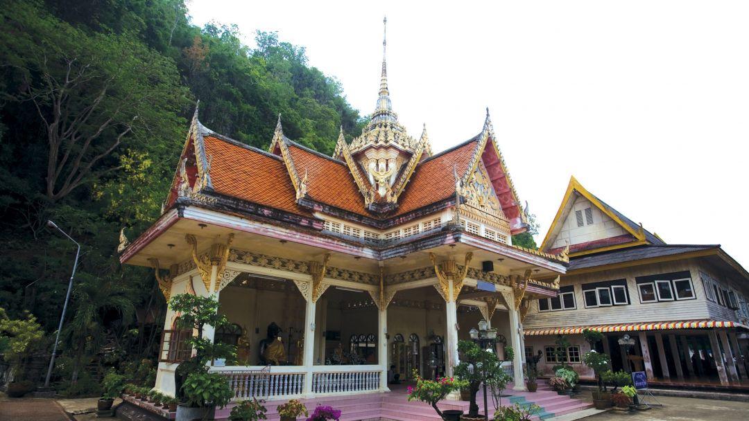 Храм Wat Praderm по Самуи