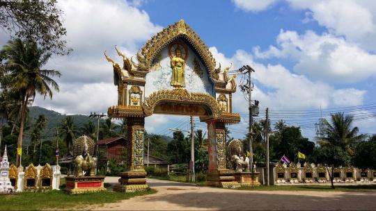 Храм Wat Samret по Самуи