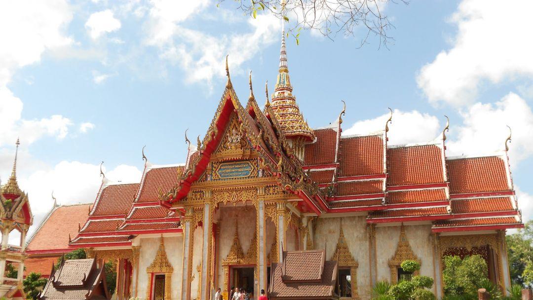 Храм Чалонг в Пхукете