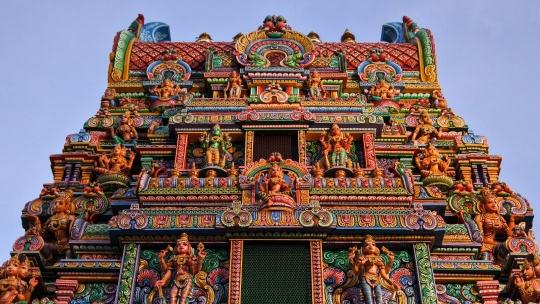 Храм хинду Sri Maha Mariamman в Бангкоке