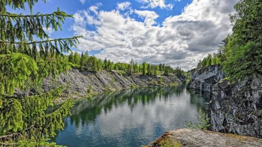 Экскурсия Путешествие по Карелии: завораживающий мраморный каньон в Санкт-Петербурге