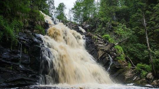 Водопад Ахвенкоски в Санкт-Петербурге