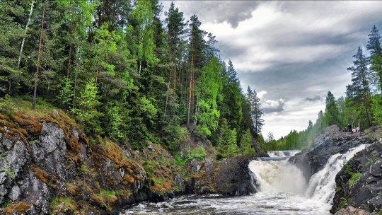 Водопад Кивач в Петрозаводске
