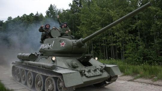 Катание на боевом танке и музей бронетехники - фото 4
