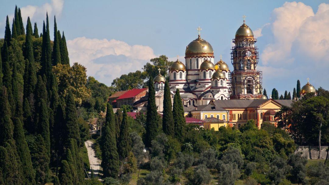 Индивидуальная экскурсия в Абхазию: Новый Афон, озеро Рица и гора Мамзышта - фото 2