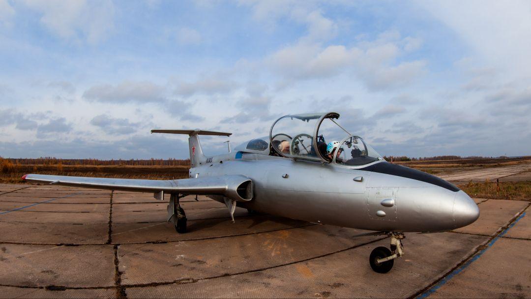 Полет на реактивном самолете Л-29 в Москве