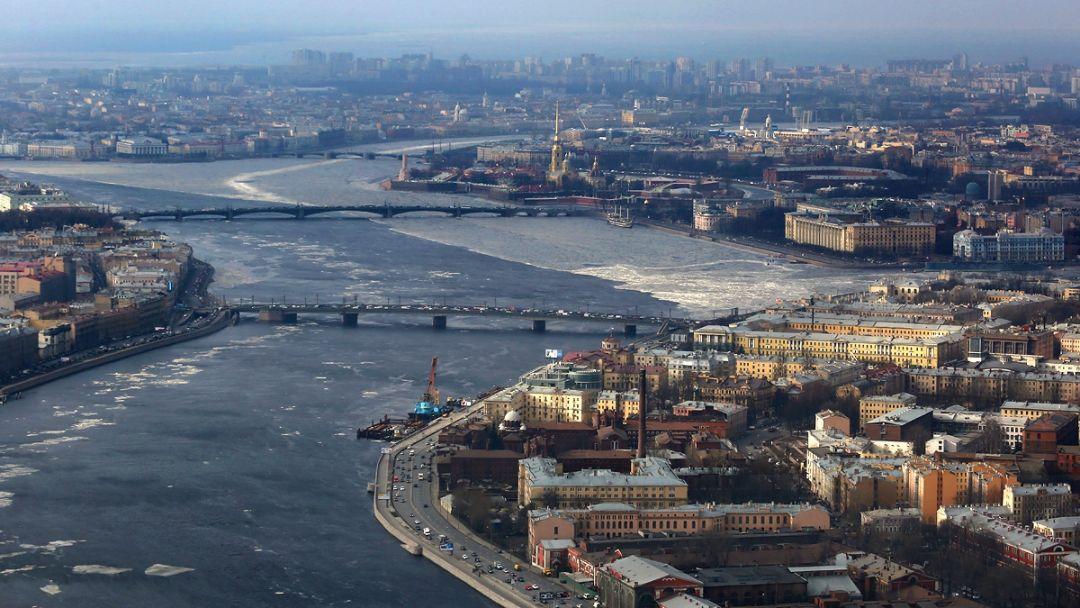 Полёт на вертолёте над центром Санкт-Петербурга - фото 3